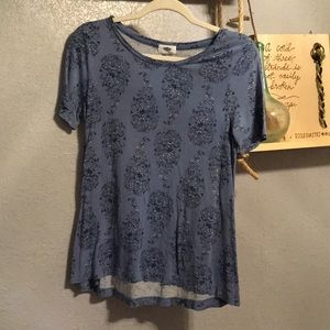 Old Navy blue patterned flowy top
